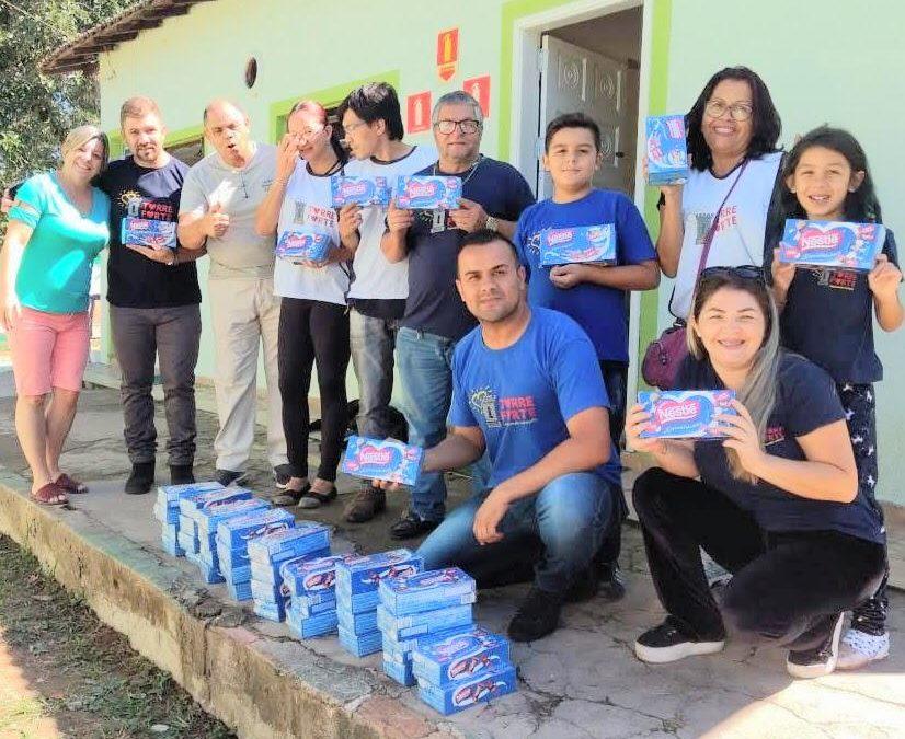 ONG Torre Forte realiza entrega de alimentos em clínica de dependentes químicos.