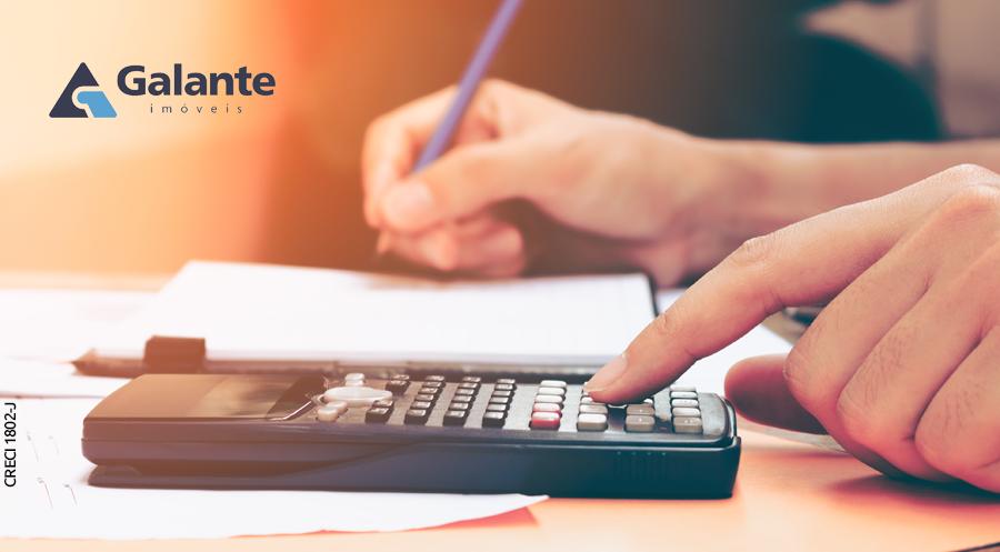 Como calcular as despesas ao alugar um imóvel?