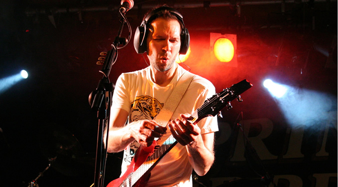 Paul Gilbert Photo