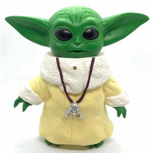 Muñeco Baby Yoda Grogu Luz y Sonido 20cm