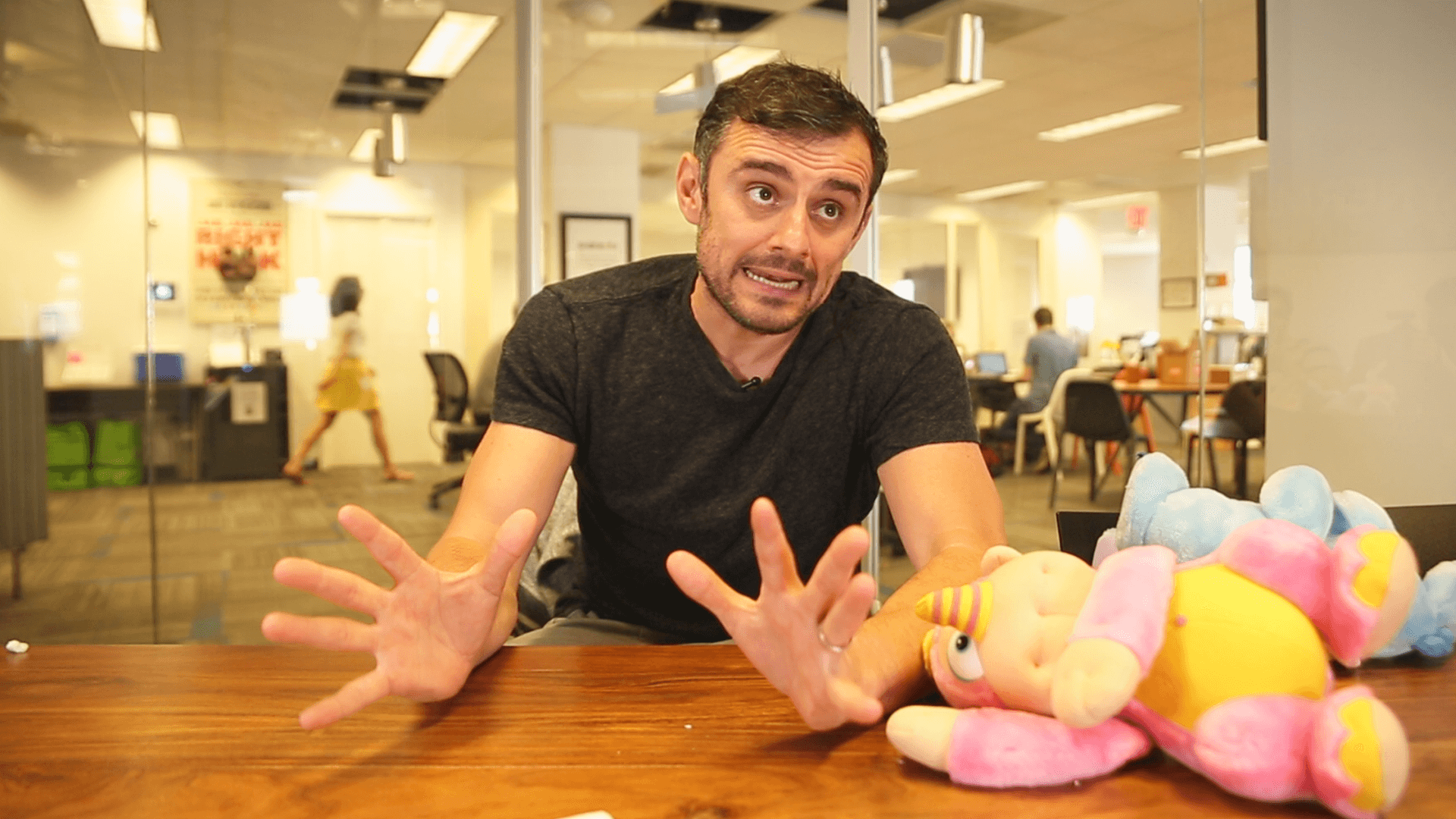 Gary Vaynerchuk with a bunch of Wuzzles