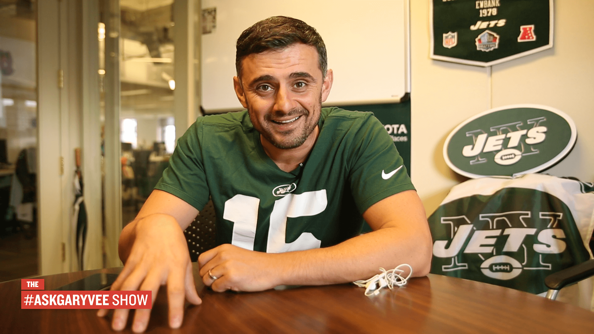 A special episode of the #AskGaryVee Show featuring the NY Jets