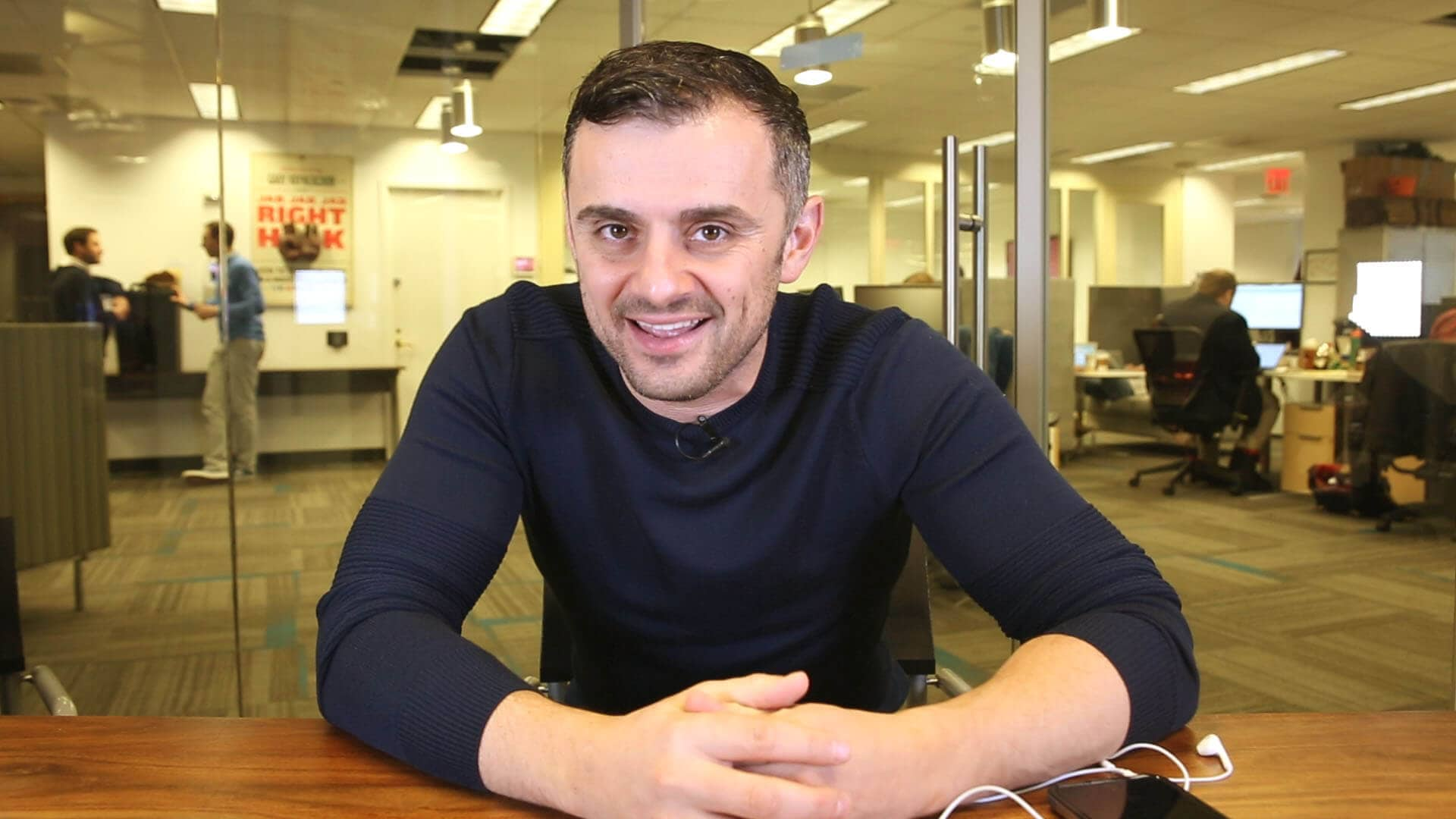 Gary Vaynerchuk talks about Snapchat, Instagram and custom apps.