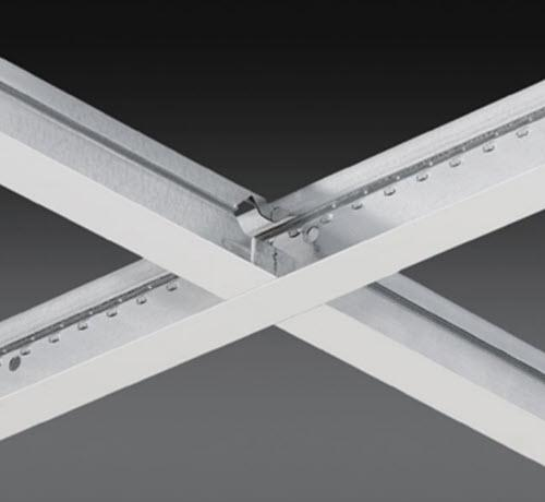 4 ft x 1 1/2 in Chicago Metallic 260 Aluminum Cap 15/16 in Cross Tee / White - 264.01AZ