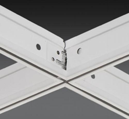 4 ft x 1 3/4 in Chicago Metallic 4600 Ultraline 9/16 in Cross Tee / White - 4624.01