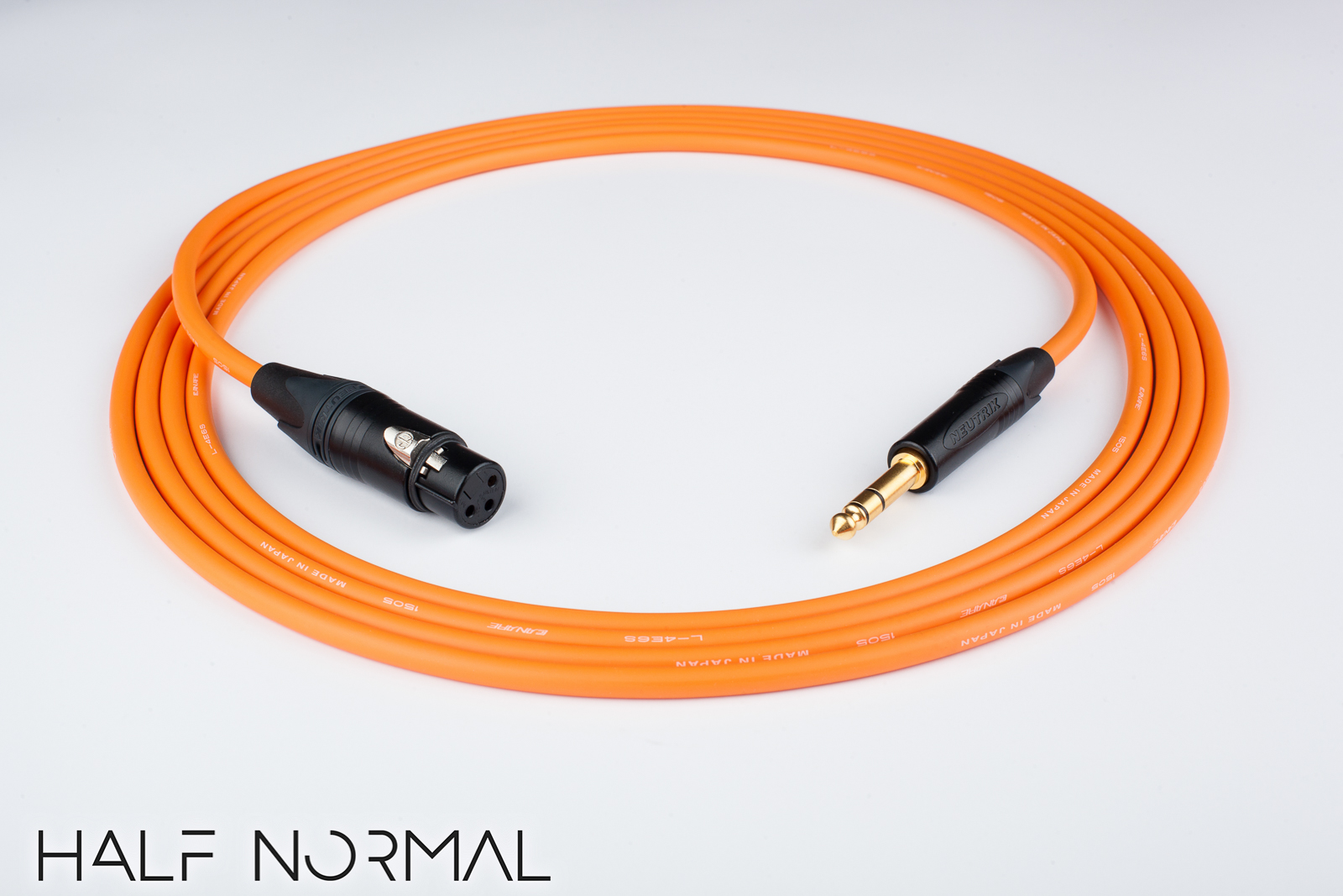 Canare Quad L-4E6S Cable Neutrik Gold XLR-Female to 90º TRSBlack 3 Feet 3/'