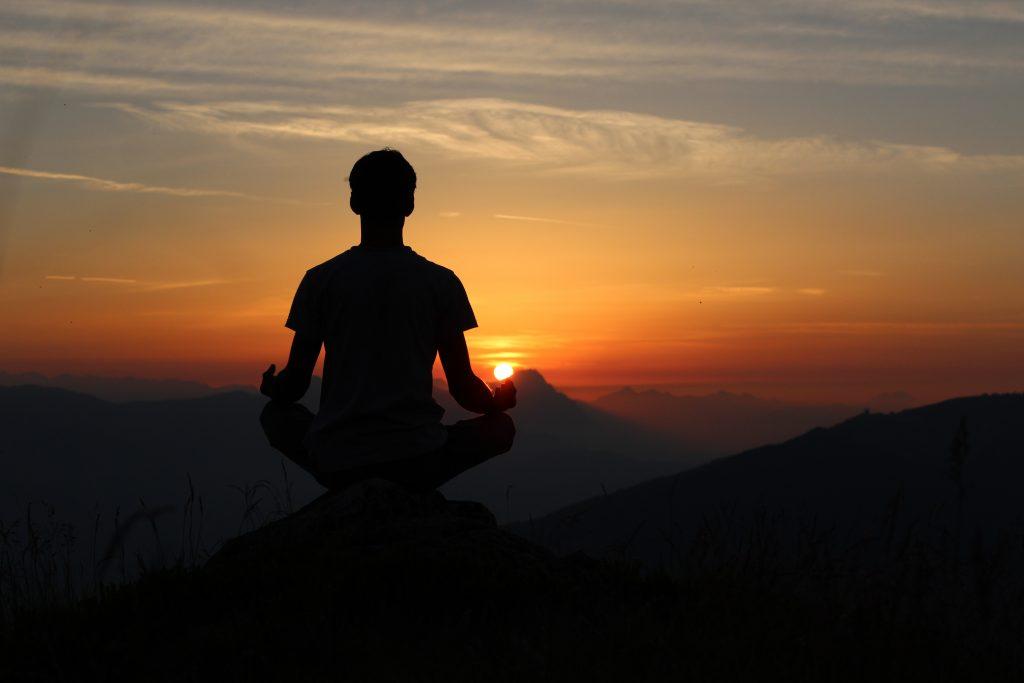 Hallow App Blog - Christian Meditation vs. Mindfulness meditation