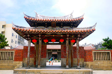 【Taichung Lukang One Day Trip】Tunghai University-Rainbow Village -Lukang Old Street -Lukang Longshan Temple