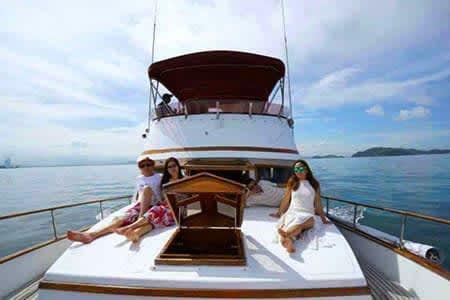 【哈旅行獨家新體驗】愛偉利豪華私人遊艇一日遊