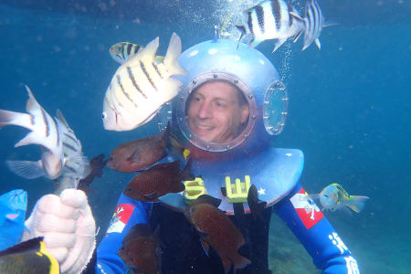 【澎湖龍宮之旅】海底漫步體驗內太空+混水摸魚餵魚秀