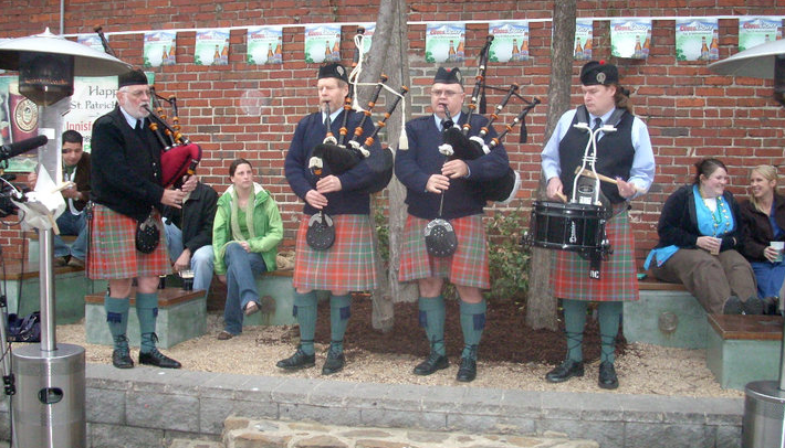 Bagpipers on the Innisfree Patio for Kegs and Eggs