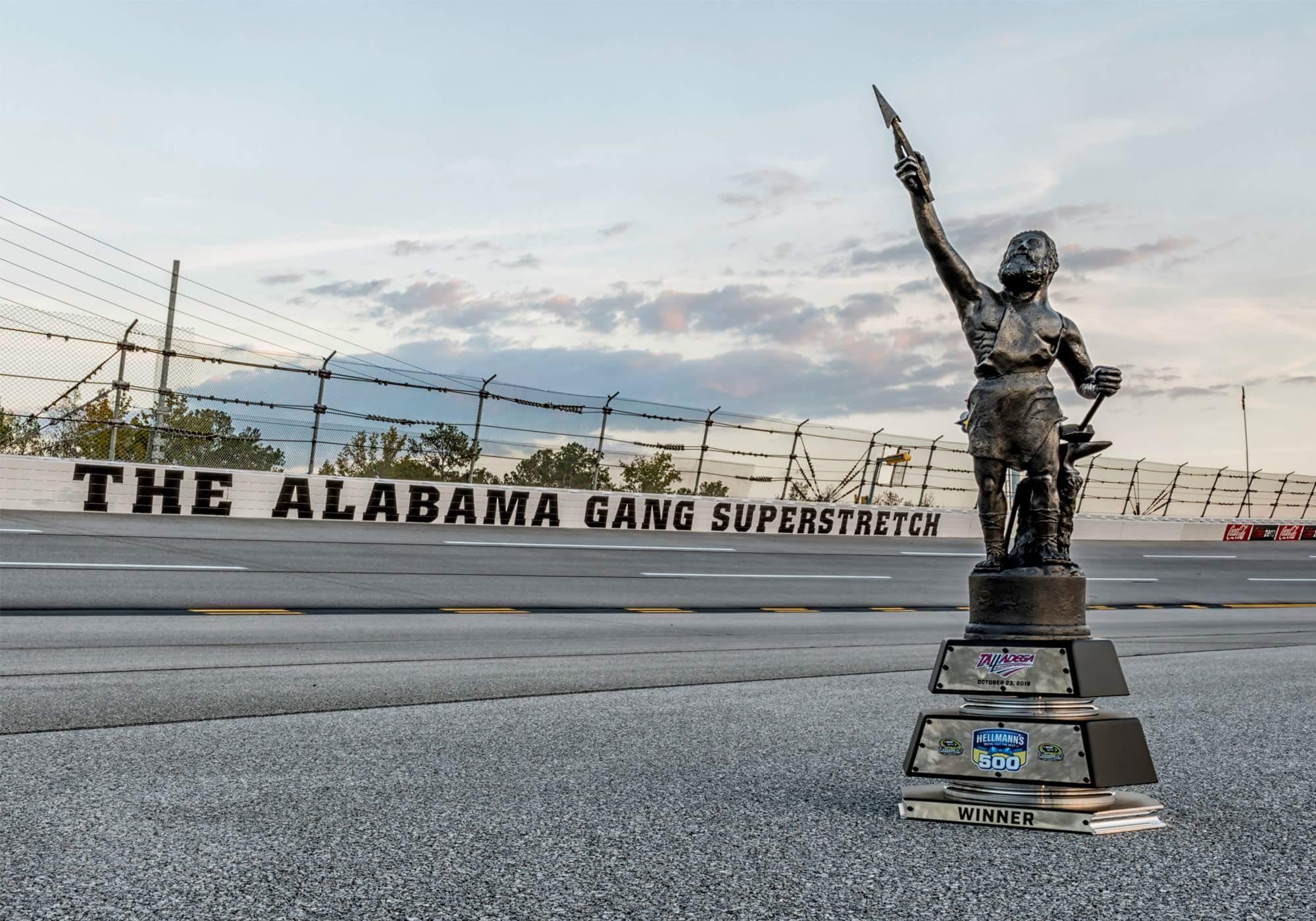 Vulcan Trophy NASCAR Talladega 500