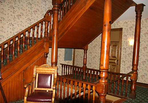 Find Haunted Hotels In Deadwood South Dakota Bullock