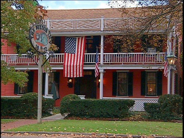 Find haunted hotels in granville ohio the buxton inn in for Hotels granville