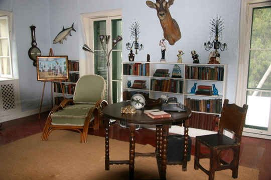 Find real haunted houses in key west florida hemingway Ernest hemingway inspired decor