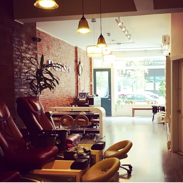 Hoboken Girl - J Nail and Spa - HGmanimonday - pedi chairs
