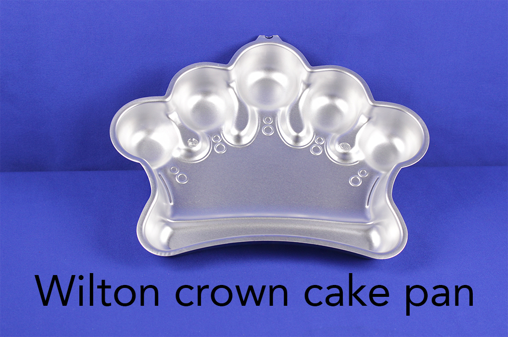 Wilton crown cake pan.