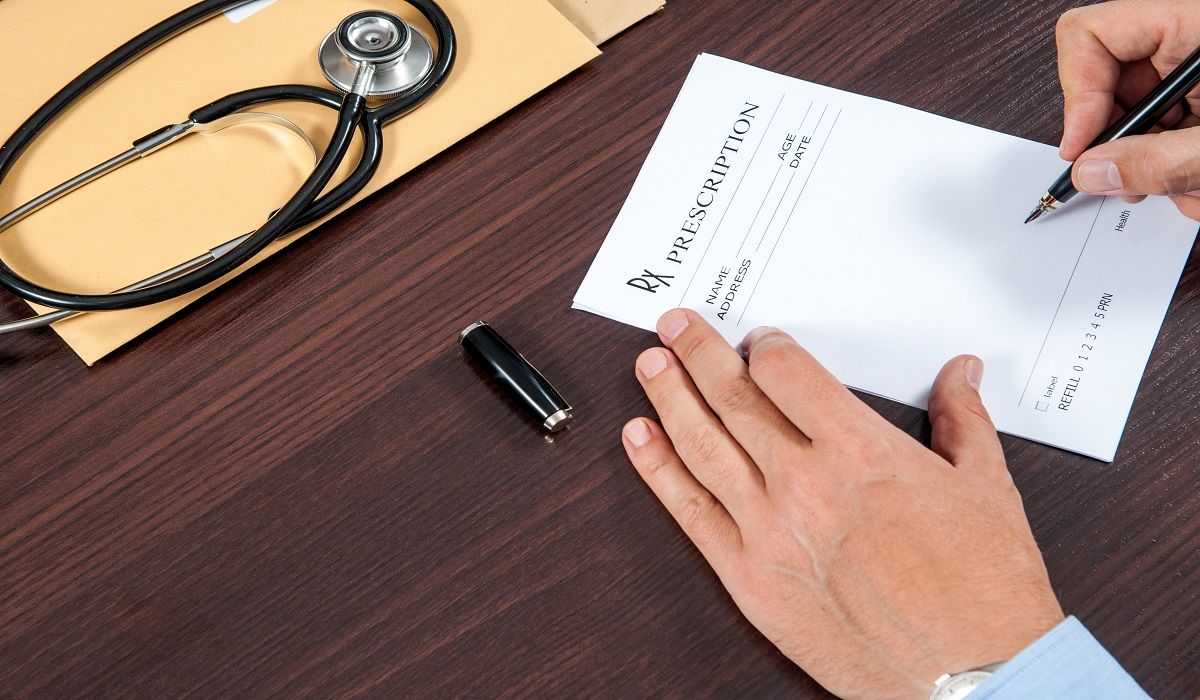 Why Doctors Should Stop Writing Opioid Prescriptions by Hand