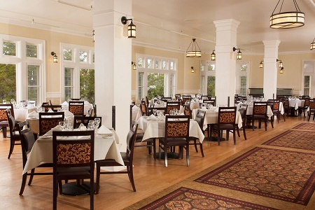 Where To Stay Yellowstone National Park Lodges MD Magazine Enchanting Lake Yellowstone Hotel Dining Room