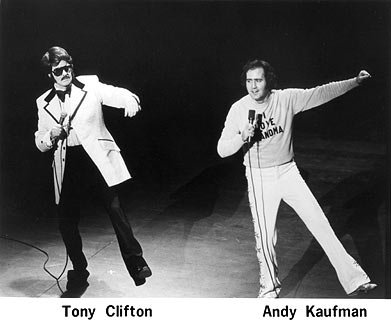 Andy Kaufman shares the stage with Tony Clifton - HeadStuff.org