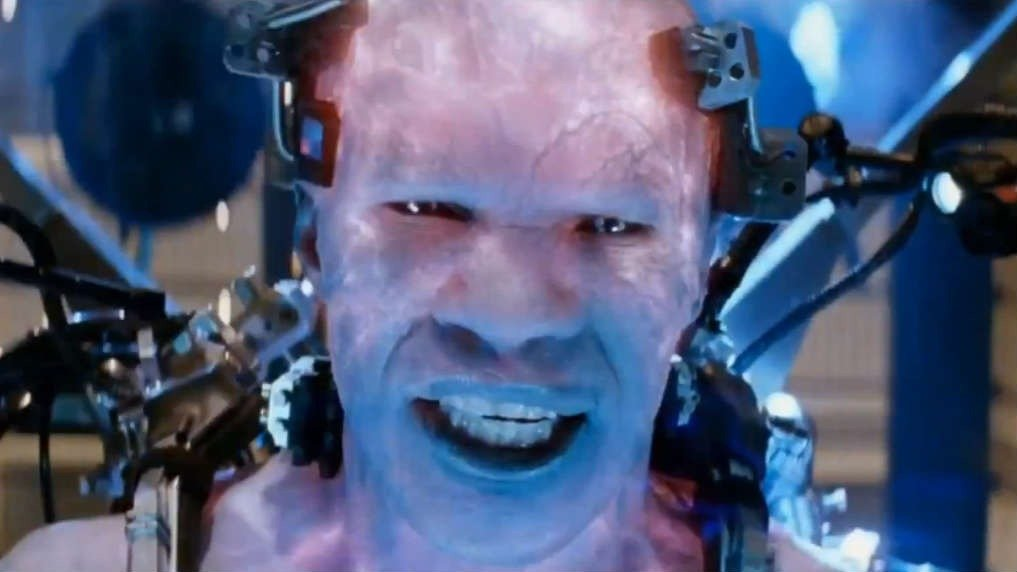 Jamie Foxx as Electro in The Amazing Spider-Man 2 - HeadStuff.org