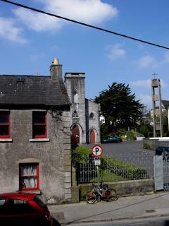 Irish town, rural ireland, Don't be silly, vote for willie, irish local election, rural ireland politician, local people, local politics, willie dunne, willie callaghan, willie crowley, ireland, farm - HeadStuff.org
