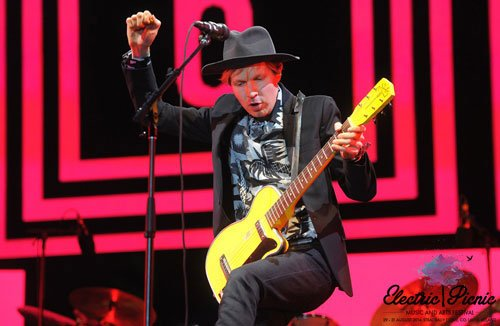 Beck, Odelay, Loser, I'm a loser baby, so why don't you kill me, sea change, Electric Picnic headliner, picnic 2014, EP2014, Midnight Vultures, folk, country, music legend, har mar superstar, elizabeth reapy, EM - HeadStuff.org