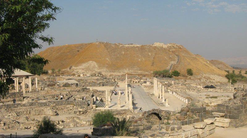 Assyrian ruins, king herod, Cultural heritage in peril, ancient victims of modern warfare in the middle east, israel, irag, afghanistan, syria, iran, palestine, jerusalem, ancient artifacts, destroyed, stolen, pillaged, religious extremism, buddha, muslim, islam, jewish - HeadStuff.org