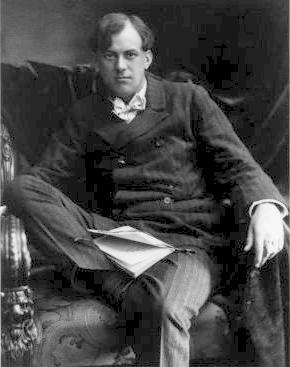 Aleister Crowley, author, hedonist, satanist, the wickedest man in the world, STDs, Golden Dawn, cults, occult, Thlemic, student, young - HeadStuff.org