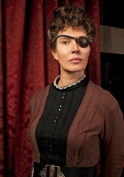 Julia Davis' Morning Has Broken will air on Channel 4 in 2015.  Headstuff.org