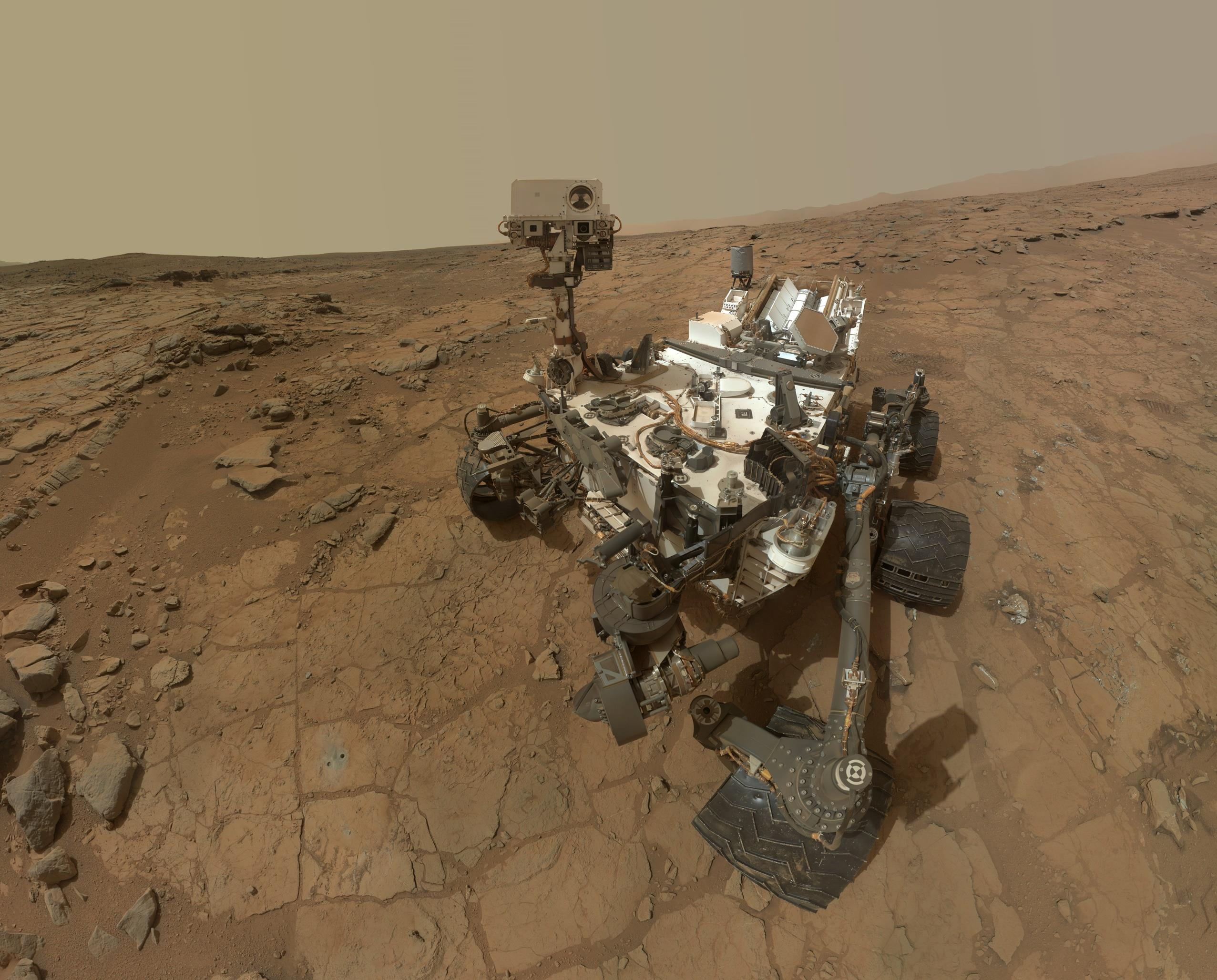 curiostiy rover spends a martian year on mars - Headstuff.org