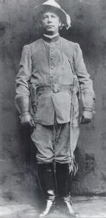 Christmas in uniform, Lee Christmas captain of rebels, bananas, ice, bahamas, bad men in history - HeadStuff.org