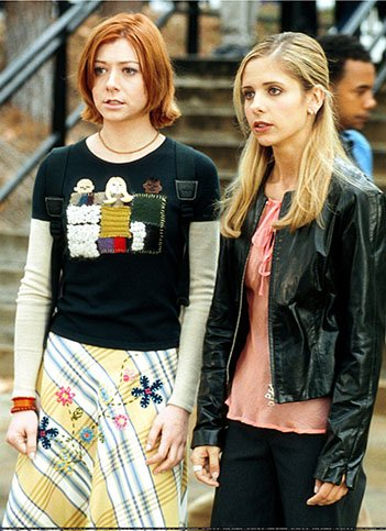 Buffy and Willow in Season 4.