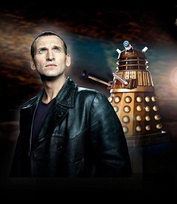 Christopher Eccleston in a Doctor Who publicity photo - headstuff.org