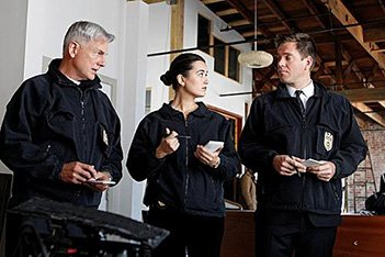 The NCIS team on a case - HeadStuff.org