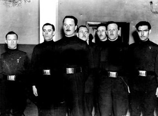 Photo of members of the British Union of Fascists in the 1930s, including Oswald Mosely and William Joyce - headstuff.org