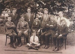 Shot of a group of schoolboys attending Colaiste Iognaid in Galway in the 1920s, including Nazi broadcaster William Joyce - headstuff.org