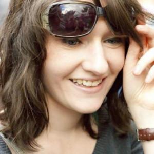 Aileen Ferris - HeadStuff.org