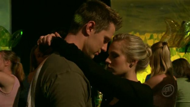 Logan and Veronica Mars - HeadStuff.org