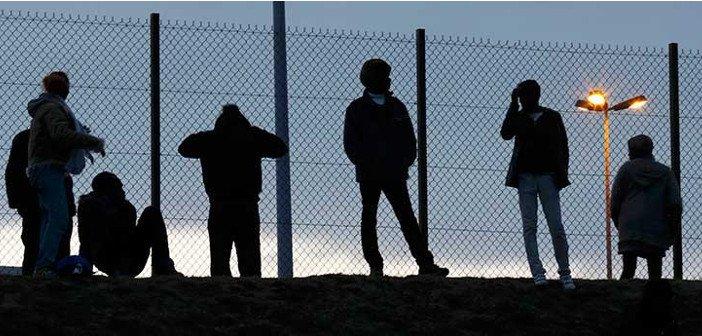 Calais Migrants - HeadStuff.org