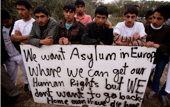 Migrants in Calais - HeadStuff.org