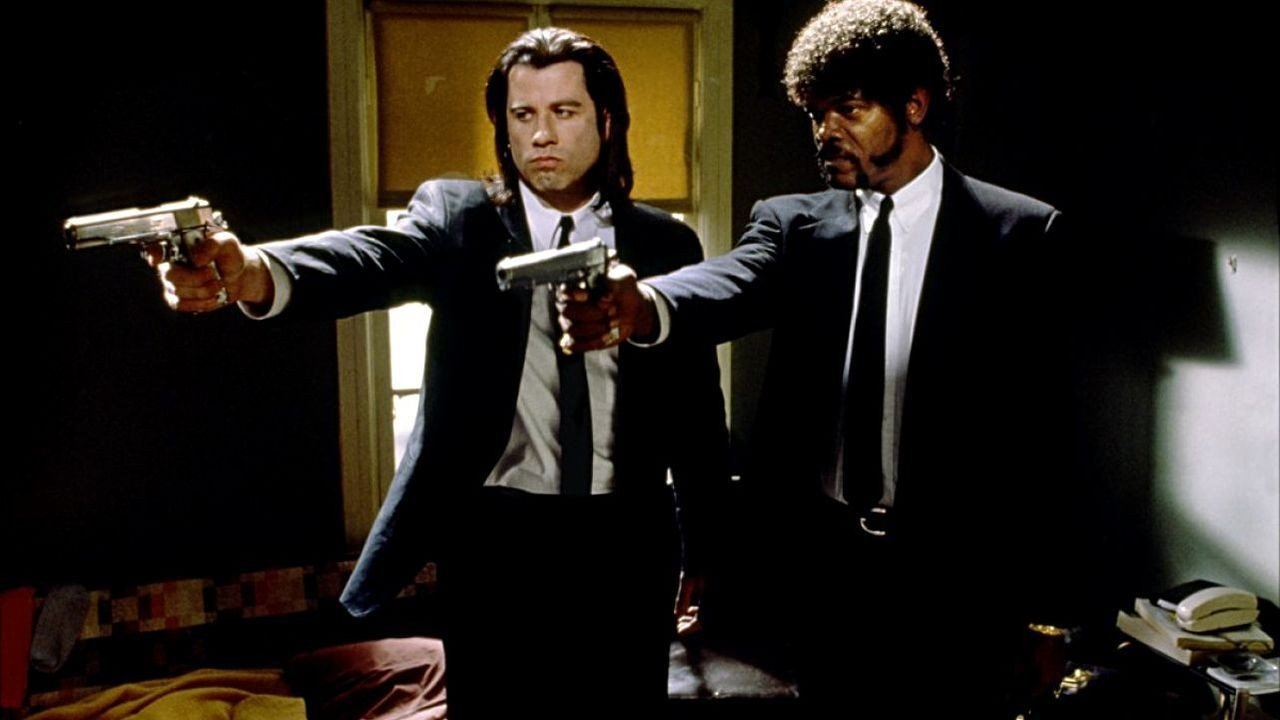 John Travolta and Samuel L. Jackson in Pulp Fiction - HeadStuff.org