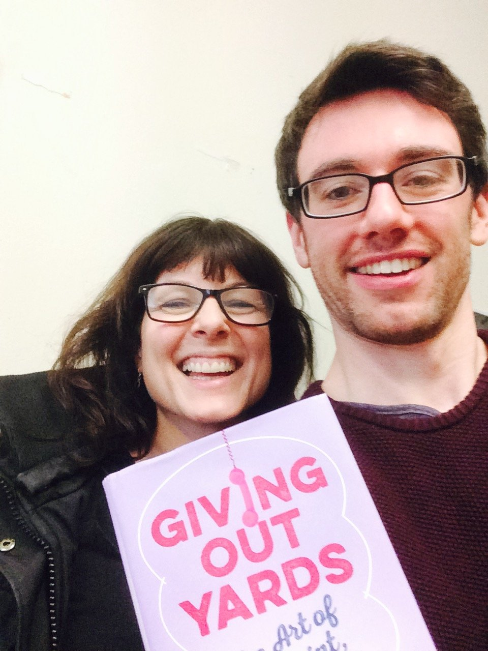 Tara Flynn and Alan Bennett with her new book Giving Out Yards on the HeadStuff podcast - HeadStuff.org