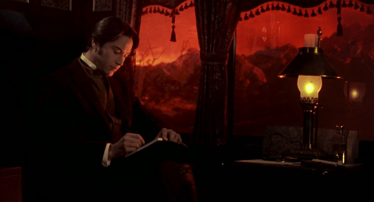 Keanu Reeves ignoring the scenery in Bram Stoker's Dracula - Headstuff.org