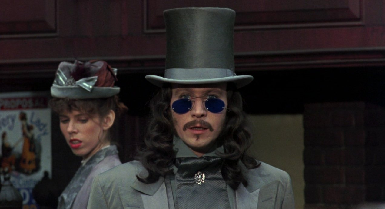 Gary Oldman as Dracula - HeadStuff.org