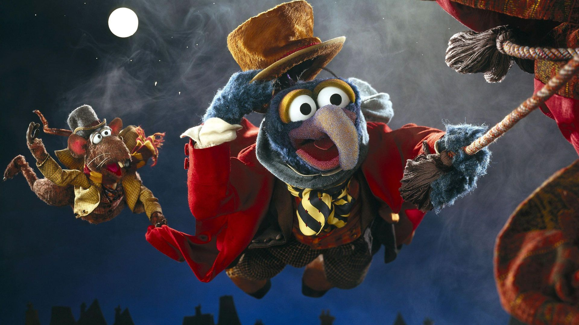 Gonzo as Charles Dickens in The Muppets Christmas Carol- HeadStuff.org