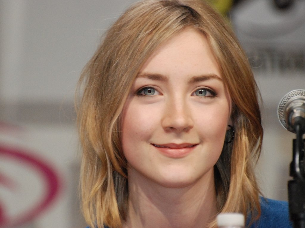 Saoirse Ronan is tipped for awards glory for her role in Brooklyn - HeadStuff.org