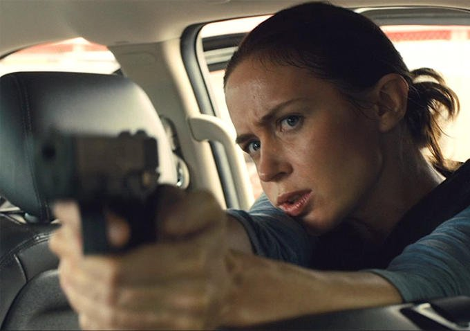 Emily Blunt as Macer in Sicario 2015 - HeadStuff.org
