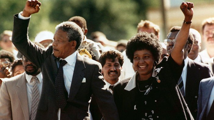 Mandela leaves jail