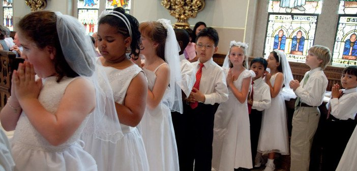 First holy communion - HeadStuff.org
